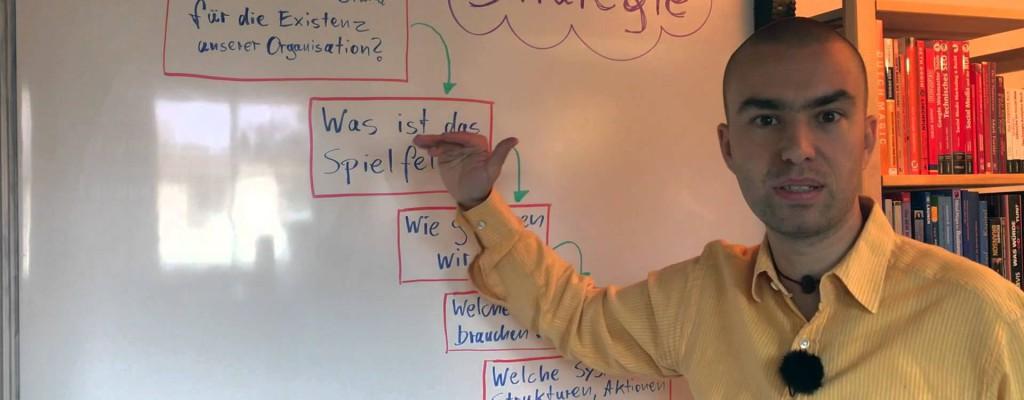 """Was ist """"Strategie""""? Wie """"mache"""" ich Strategie und warum ist das überhaupt wichtig?"""